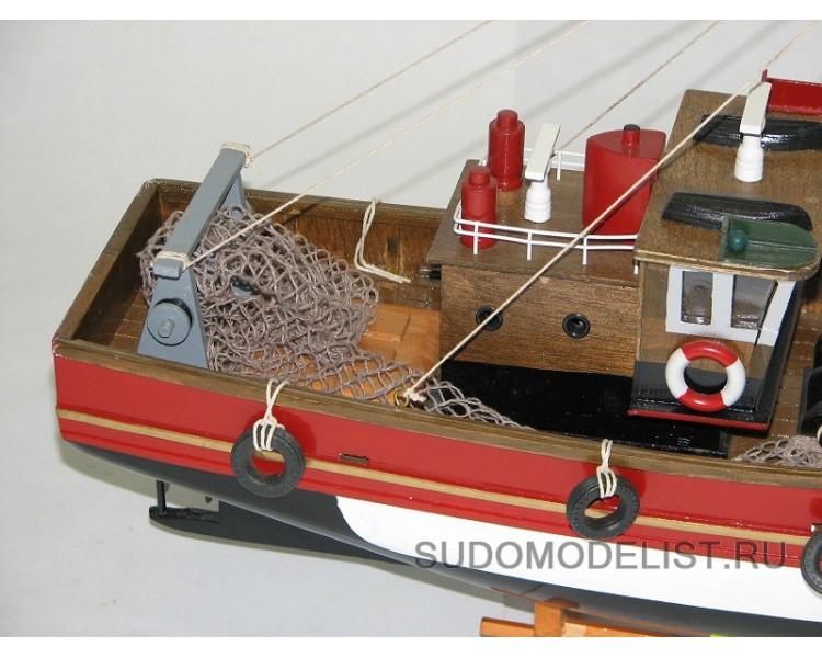 морской рыболовный бот